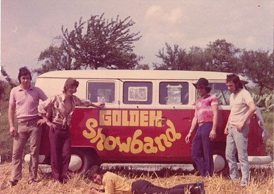 1971 Erster Band Bus